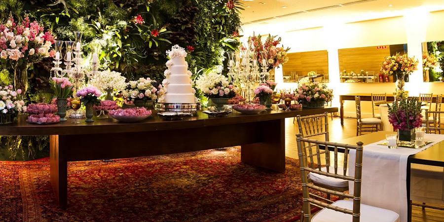 mesa de bolo e doces mini wedding trio vila olimpia