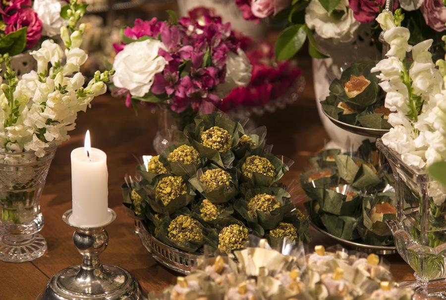 Decoração Brigadeiro e Flores Gastronomia Grupo Trio