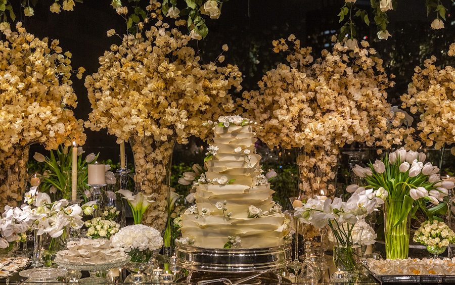 Mesa de bolo e doces casamento Trio Pérgola