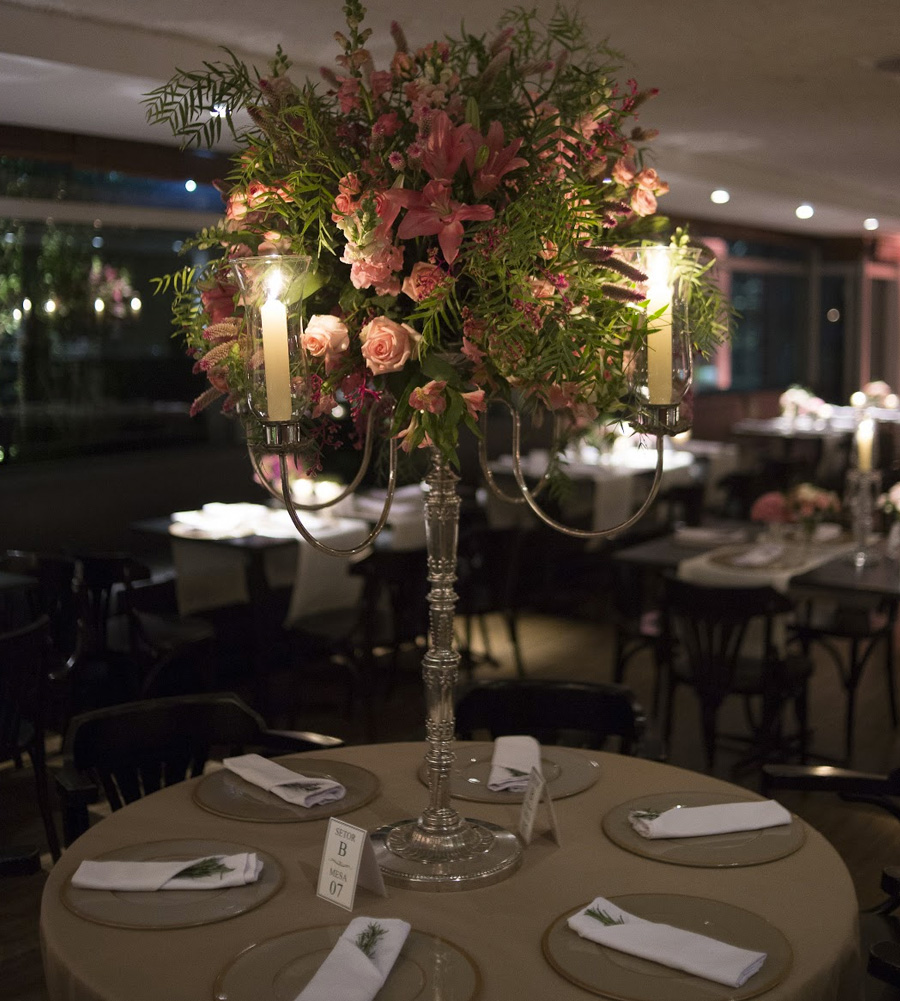 Decoração e arranjos de flores mesa de jantar PP Monti Trio Dezenove