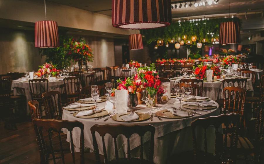 Casamento decoração tons de vermelho Trio Pérgola