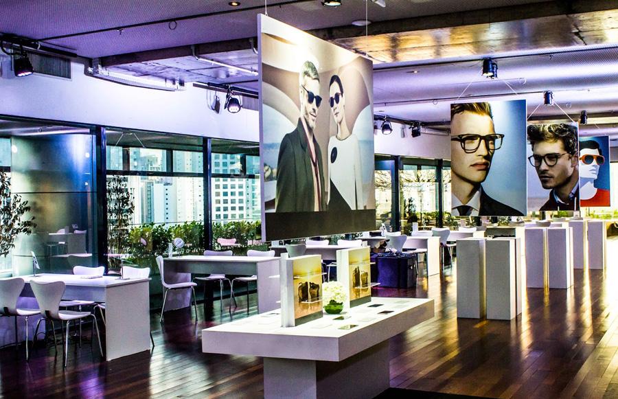 Exposição de produtos óculos de sol e grau evento corporativo Trio Pérgola